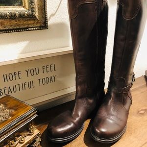 Gently used all leather Italian riding boots 🥾